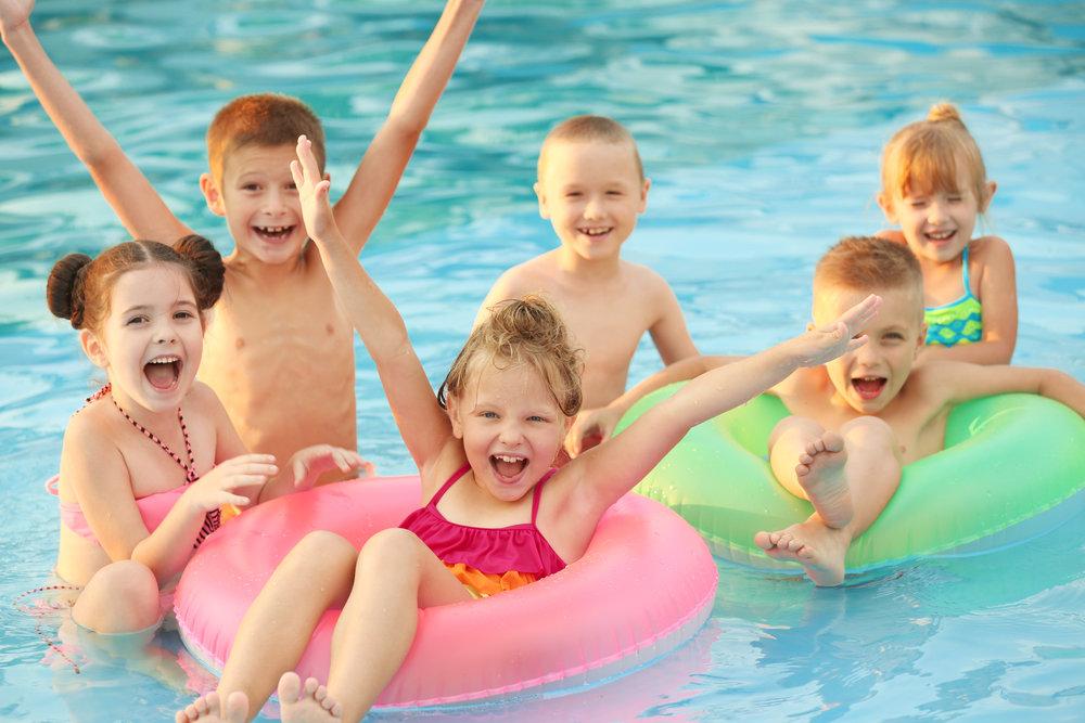 Colchonetas de playa y piscina divertidas